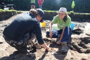 Cassie hard at work on this years excavation!